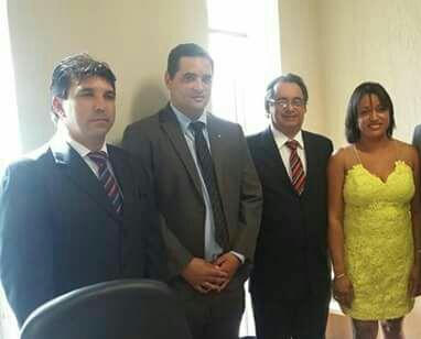 Prefeito Cleidimar Zanotto de Capinópolis, ex vereador Elker de Iraí de Minas, Marcos de Melo, assessor do Deputado Iran Barbosa e Marisa, Chefe de Gabinete.